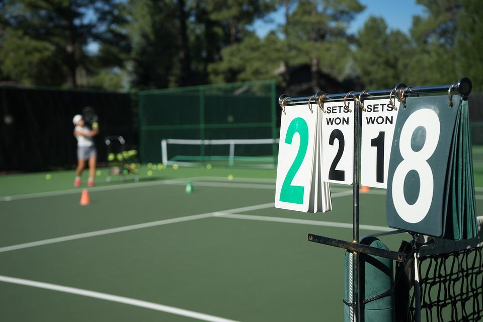 Zbytočná kontrola tenisu. Prečo hrať 15: 0, 30: 0 a 40: 0?